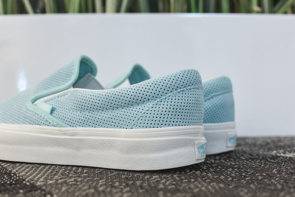 Woman Shoes Vans Wmns Classic Slip-On Light Blue - -3